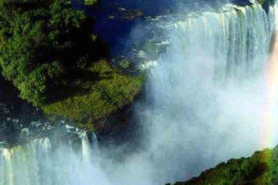 Family Falls, Zambezi & Chobe