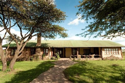 Topi Mara Bush House